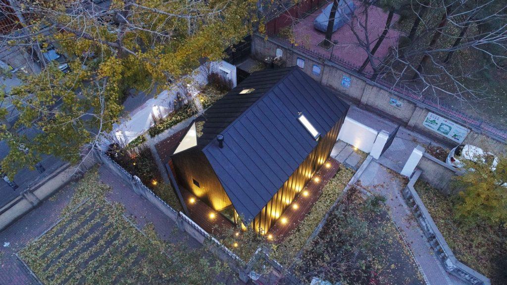 Moderan bungalov za tročlanu porodicu u strogom centru grada