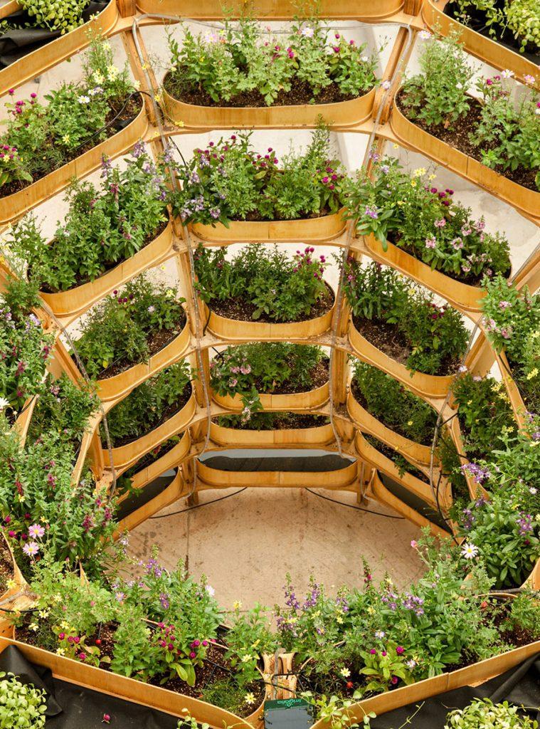 Grownmore-modularna-bašta-kao-deo-urbanog-mobilijara-gradova-budućnosti