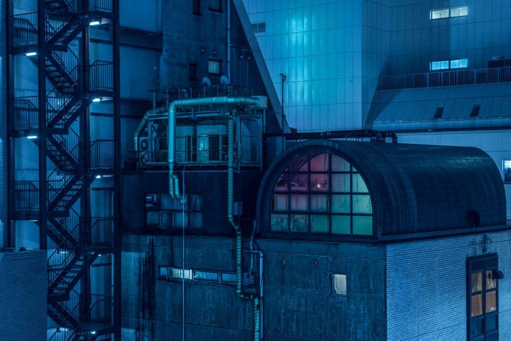 Zgrade-tokija-pod-neonskim-svetlom-fotografije-u-stilu-blade-runner