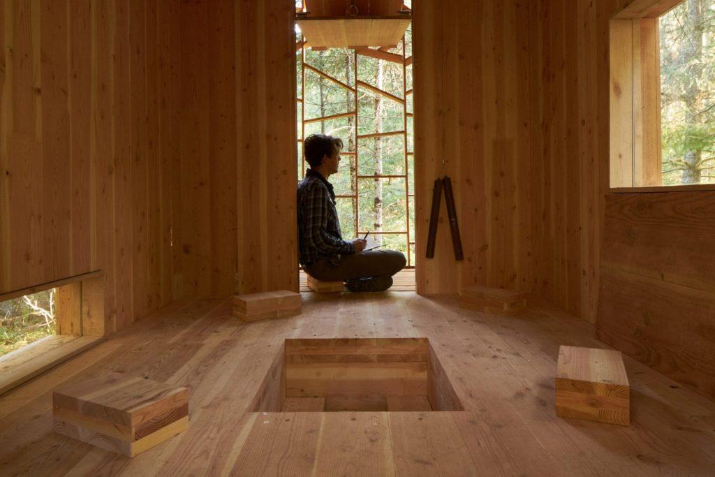Mala-drvena-šumska-koliba-učionica-za-radoznale-osnovce