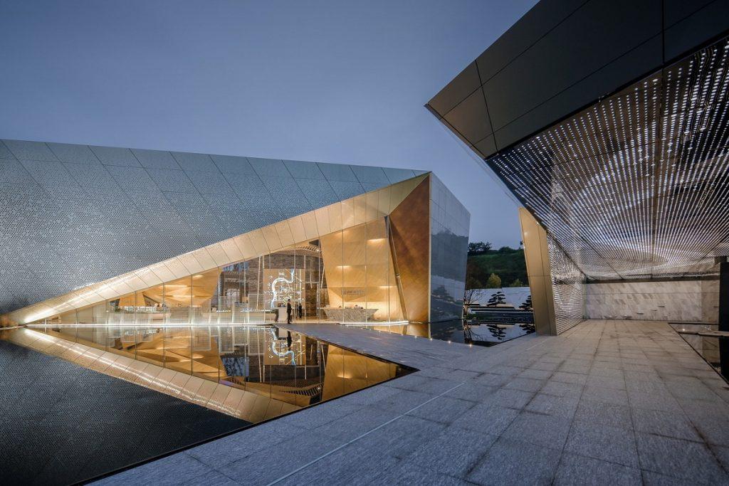 ark-of-light-izlozbena-galerija-za-stanovnike-buduceg-grada-prospekt