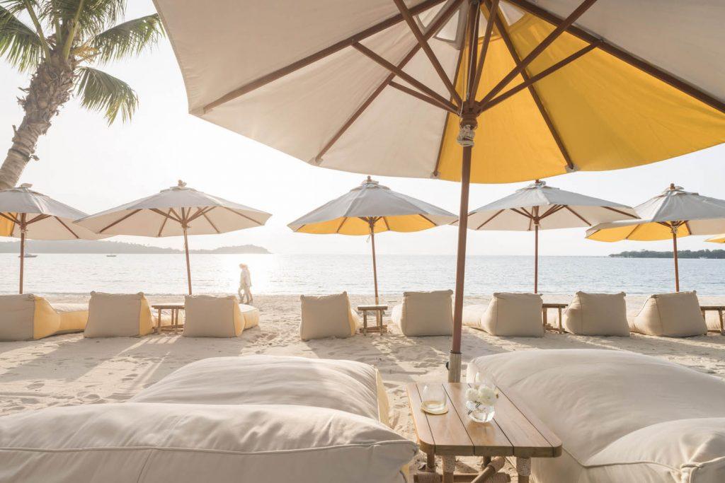Impresivno odmaralište na peščanoj plaži Tajlanda