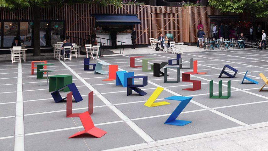 odmori-malo-na-metalnom-alfabetu-dizajn-interaktivnih-slova