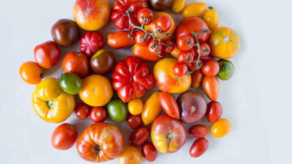 Deset plodonosnih biljaka koje možete gajiti na terasi paradajz